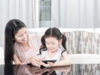 Cara Mendidik Anak dalam Membatasi Penggunaan Gadget